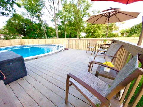 3BR Cincinnati Retreat with Pool and Fire pit