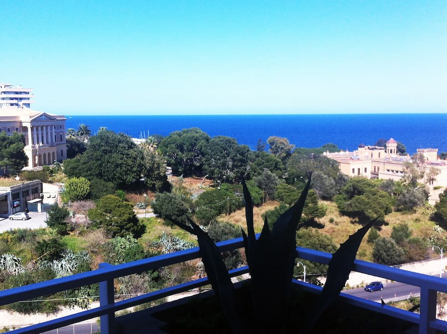 View from the small terrace of the second bedroom,overlooking Villa Igea and Villa Belmonte