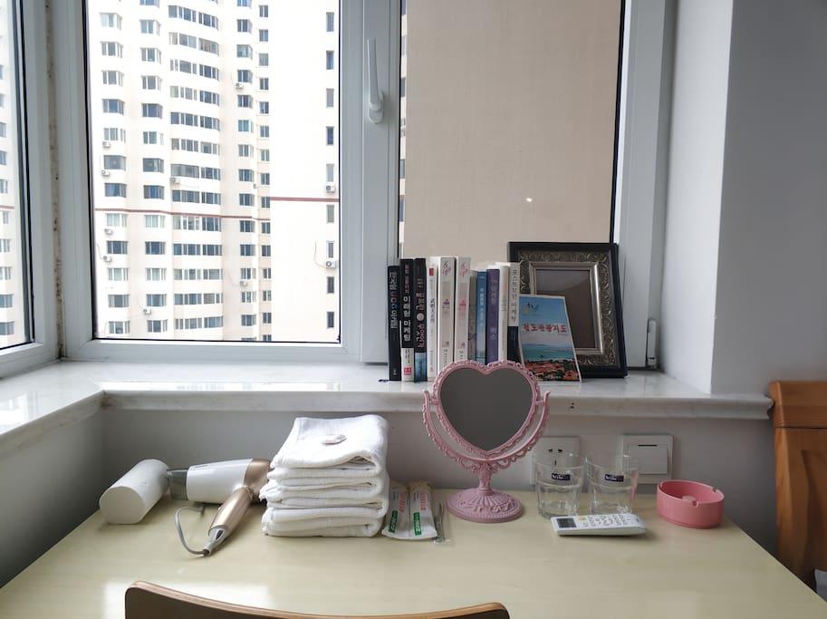 桌子和小物件