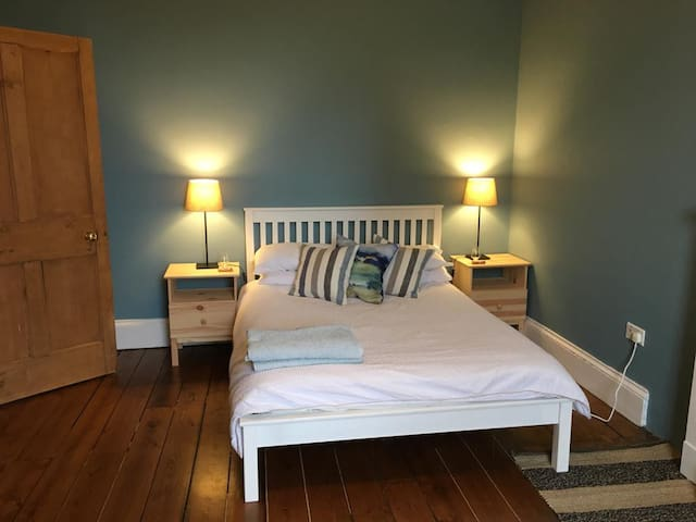 Large Private Bedroom in Leith