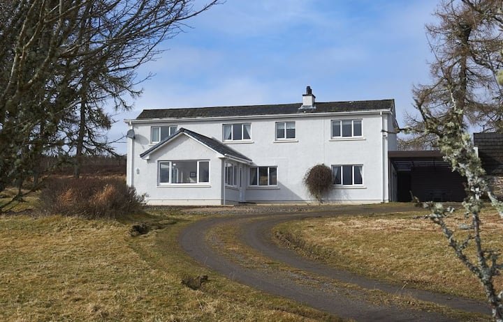 Ancarraig House - 4 Bed with Stunning Views