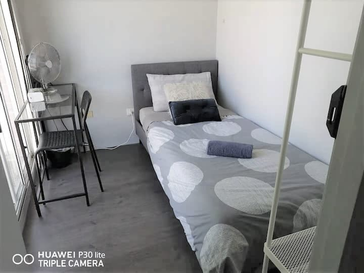 Berala Station Single Private RM close Olympic Park - SHAREHOUSE