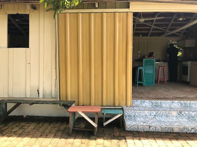 Casa en Carmen del Paraná a 200 mts. de la playa.