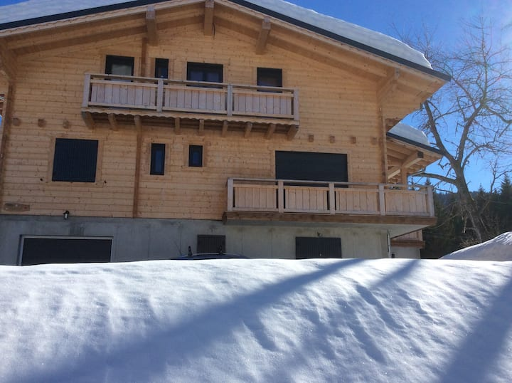 APPARTEMENT 4/6 PERS A CREST VOLAND