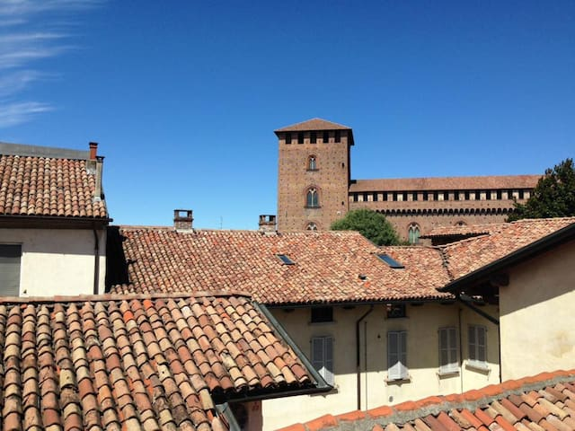 Incantevole nido con vista sul Castello - Pavia - Apartamento