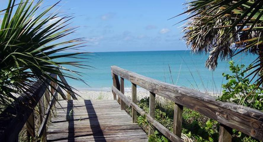 Tropical Beach Escape - Sleeps 16