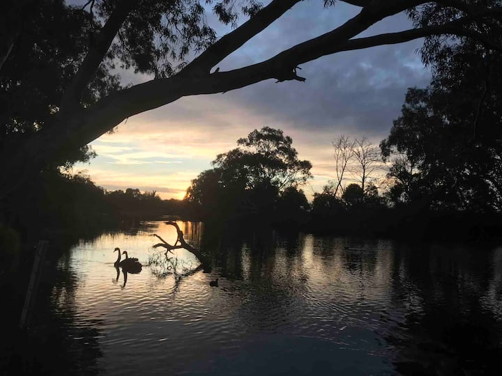 Direct access to the beautiful Werribee River.
