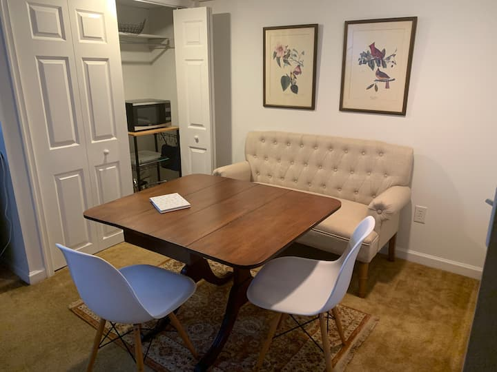 Sweet Vintage Apartment Near Downtown Cville