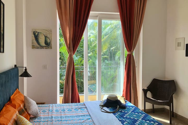 Chic & Cheerful 2 BHK Apartment right by the pool