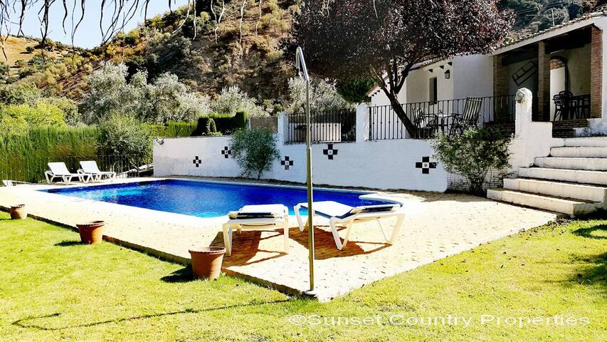 Beautiful Cortijo with Pool and Gardens - Sleeps 6