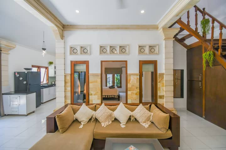 Quiet Villa in Central Seminyak Villa EverGreen!