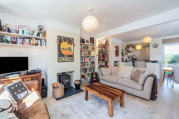 Beautiful two bedroom house by sea - Hove - Haus