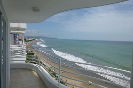 Beautiful Beachfront 2BR Apartment - Tonsupa