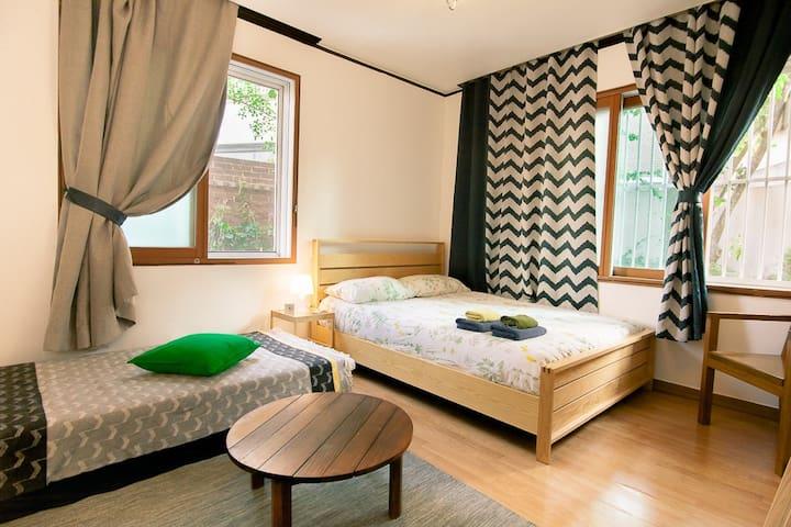 [OPEN SALE] Green room 5min from Hongik univ stn
