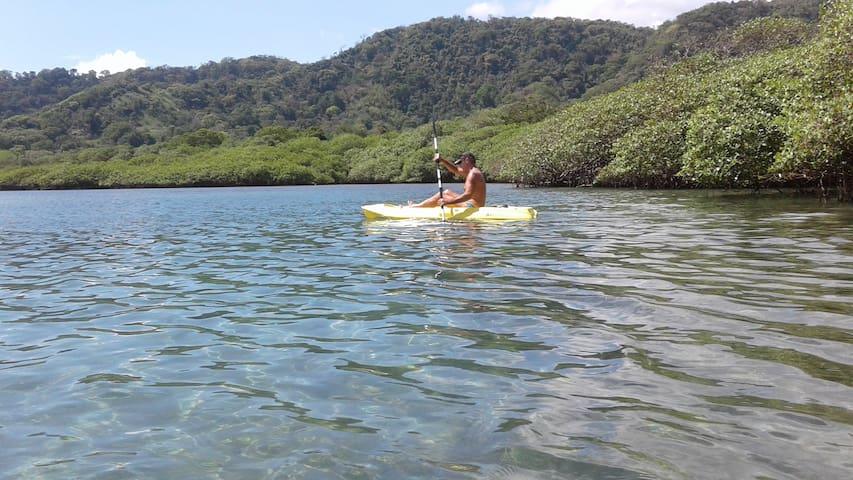 Kayaking in the natural swimming-pool