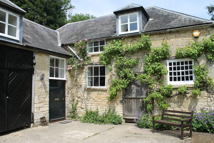 Coach House of C18th House in the Cotswolds