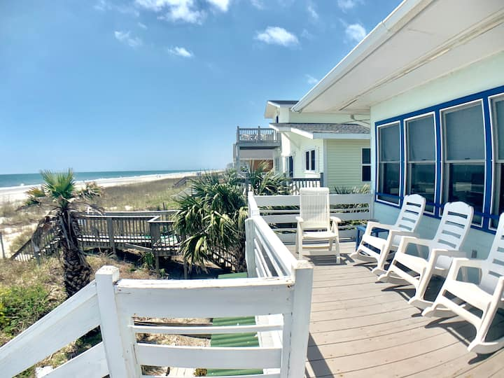 Beachfront -Almost Heaven OCEANFRONT- unit C