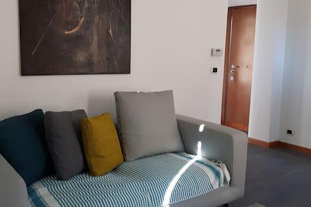 Brand New, Sunny, WI-FI, 1 Bedroom 5min Metro - Rome - Apartment