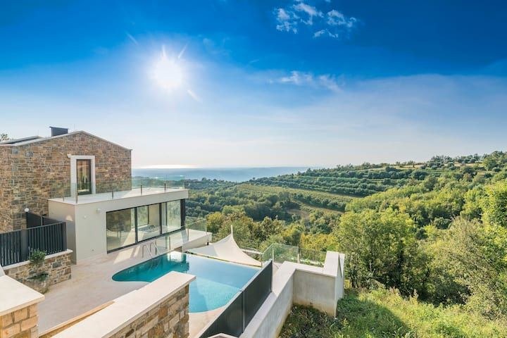 Top luxury experience with villa Monte
