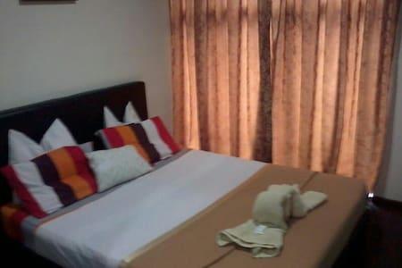 Window Hotel Room - Tanjong Bungah - Hus