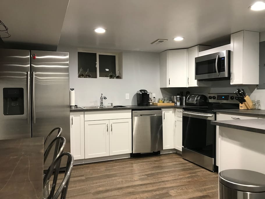 Newly Renovated 2 Bedroom Bungalow Apartment Apartments For Rent In Denver Colorado United