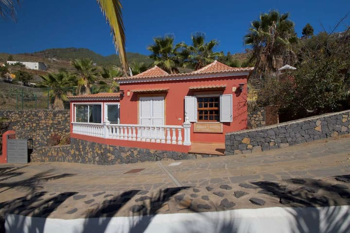 Cottage Casalot, central location, great views