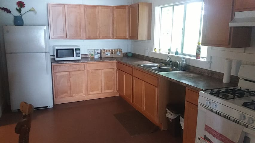 Kitchen in the common area of the Silverlaken Lodge