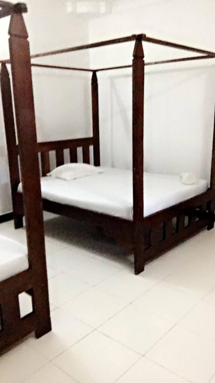 Macho's Accommodation