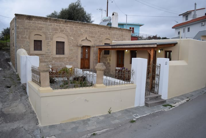 Irene House in Malona - Malonas - Dom