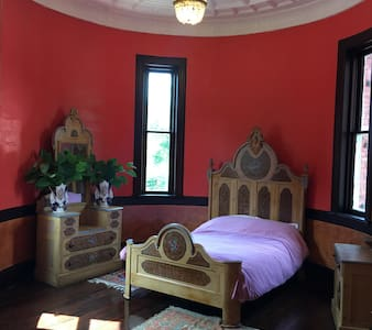 1896 Vict. Castle Room, 1st Floor. - Walton - Slott