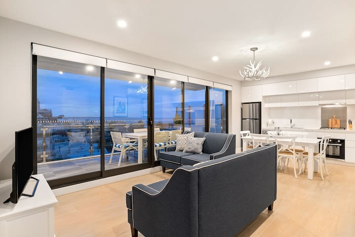 The Hamptons Port Melbourne Premier 2Bed ShortStay