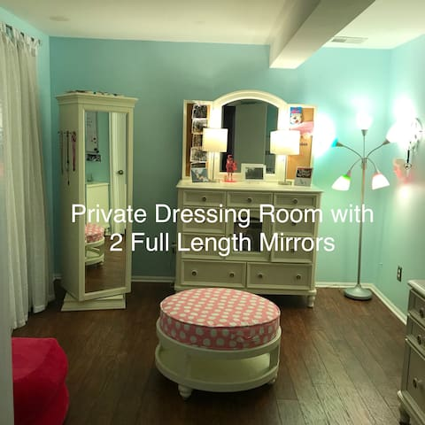 Dressing Room 12 x 10