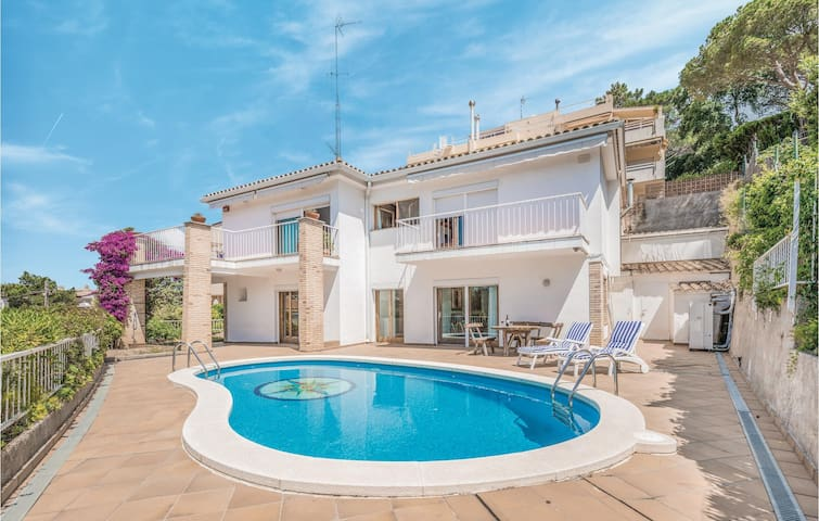 Holiday apartment with 3 bedrooms on 95m² in Tossa de Mar
