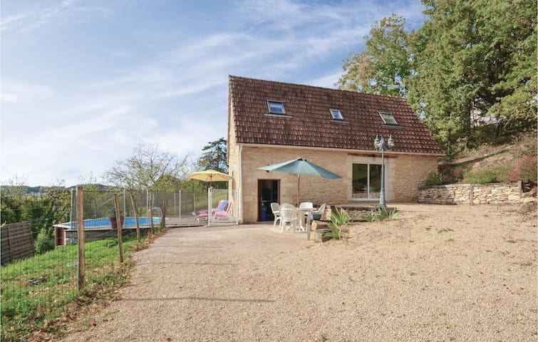 Holiday cottage with 2 bedrooms on 90m² in Aubas