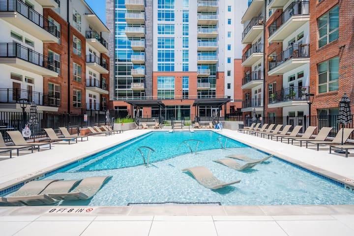 Viagem | Durham | Vibrant 2BR w/Balcony+Pool