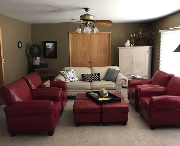 Verna's Villa - Main Level