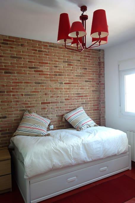 Dormitorio Individual / Single Room