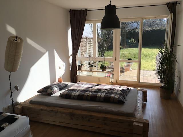 Ruhiges Zimmer mit Terrasse - Munic - Pis