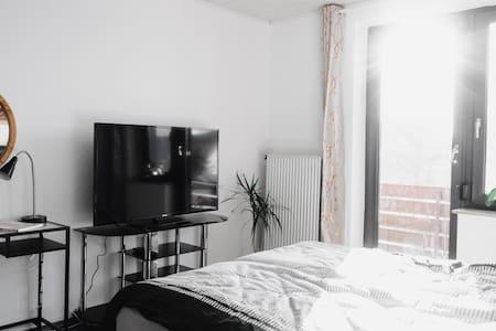 Schönes Modernes Doppelzimmer - 브레멘 - 단독주택