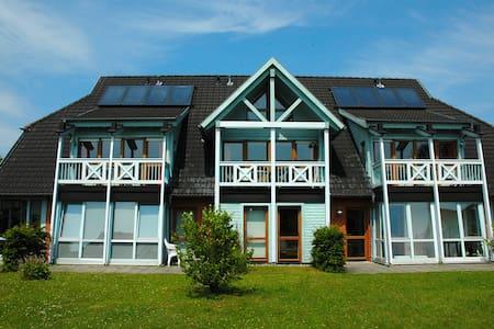 Haus am See****  Schwimmbad, Sauna, Räder inklusiv - Селлин