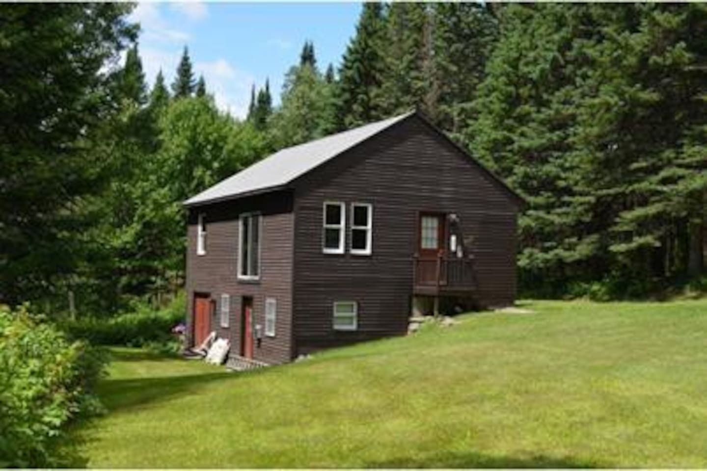 Secluded Cabin on 5 acres with abundant wildlife.