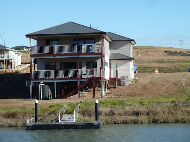 Neo at Mannum Waters