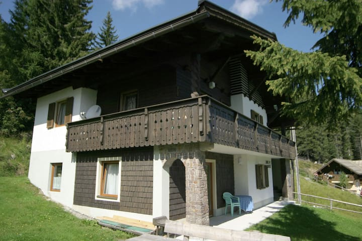 Holiday house in pleasant area in Nassfeld with delightful views ofthe mountains