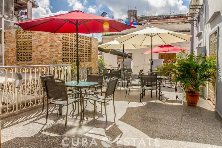 Perfect retreat in Old Havana