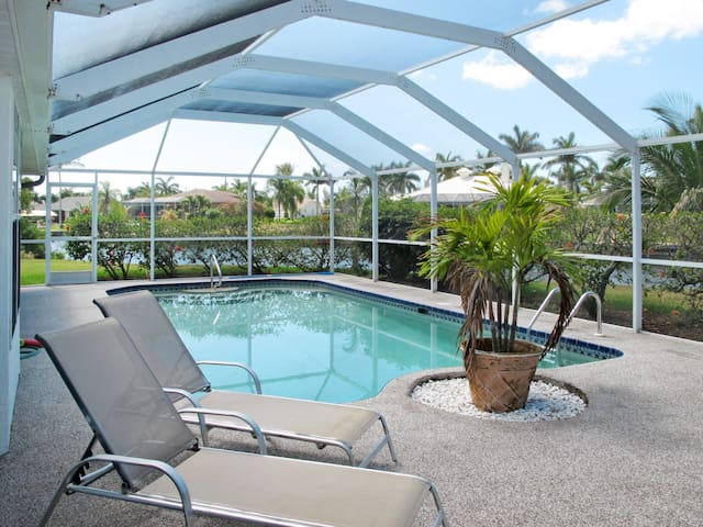 Holiday home in Cape Coral for 4 persons