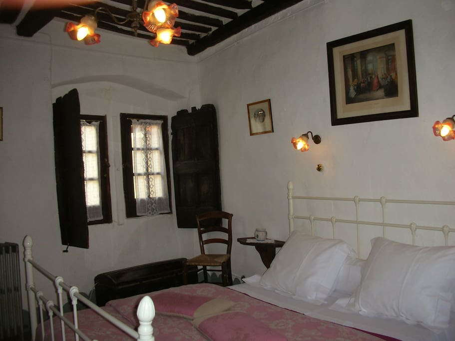 Suite St Vincent de Paul : la chambre