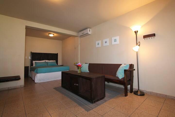 Deluxe Room #3-@ParhamPlaza