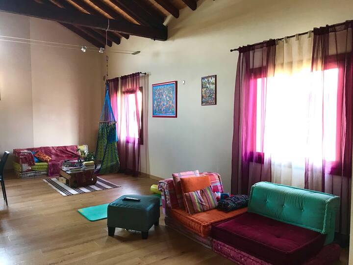 Ampia camera privata in open space