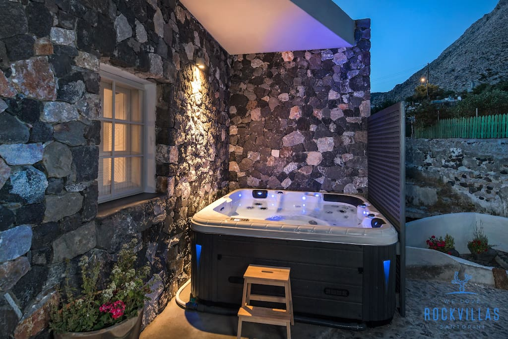 Jacuzzi for Myth Lovers