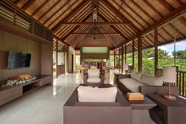 3 BDR Luxury Design Villas at Ubud | HOT DEAL !!! - Sukawati - Byt